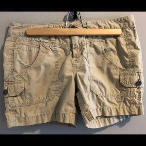 London Jean Khaki Shorts (6)